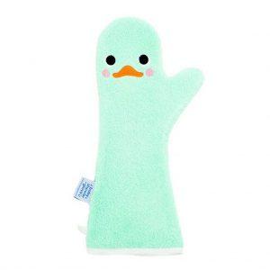 Lange licht groene washand met een gezichtje van een zwaan.