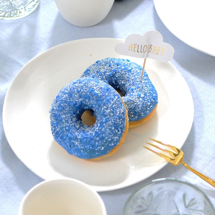 babyshower organiseren voor een jongen: blauwe donuts